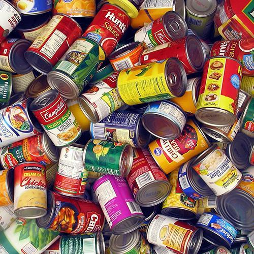 Flyers Collect Food for Community Outreach